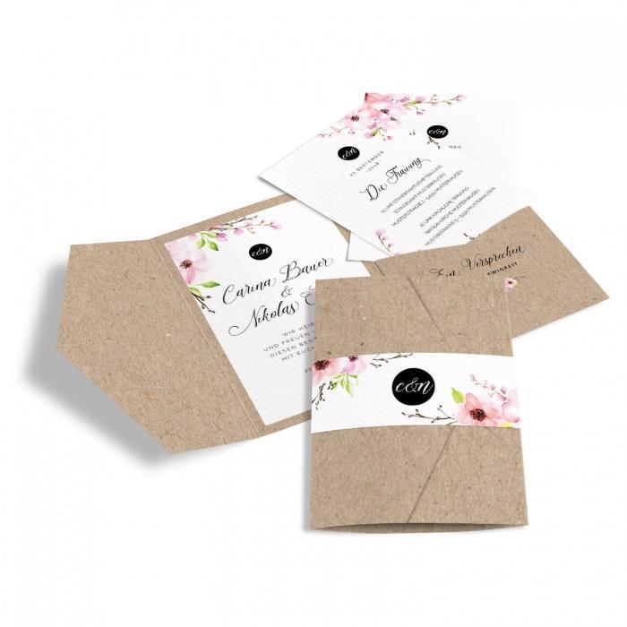 Hochzeitseinladung als Pocket mit Blüten in Kraftpapieroptik