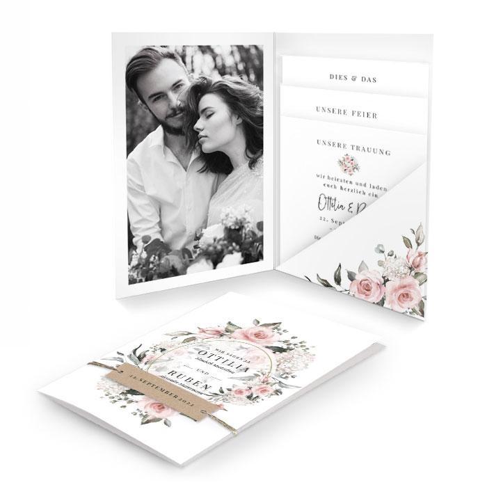 Hochzeitseinladung als Pocket mit Anhänger und rosa Aquarellrosen