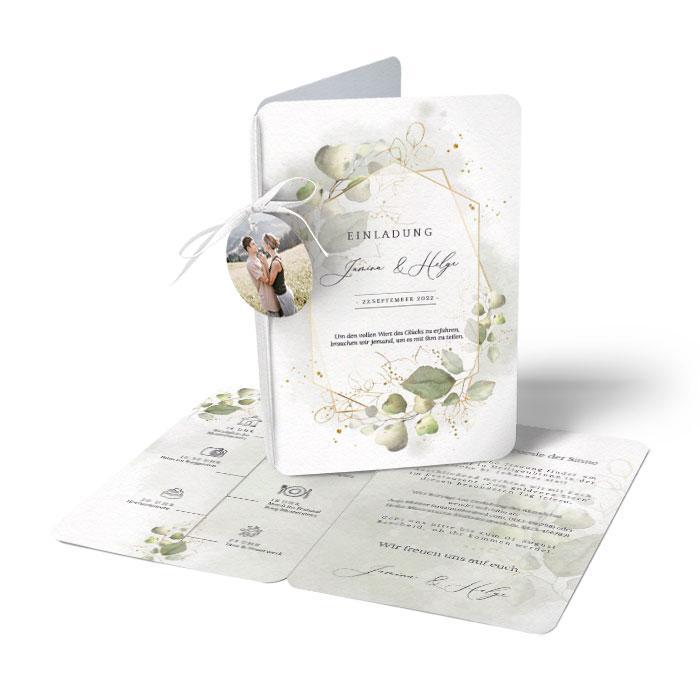 Hochzeitseinladung mit Eukalyptus und goldenen Rahmen