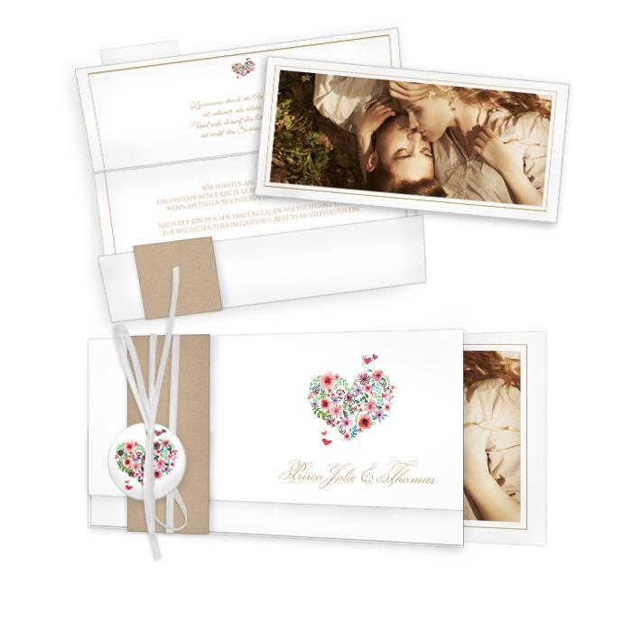 Romantische Hochzeitseinladung Mit Herz Aus Bluten Carinokarten