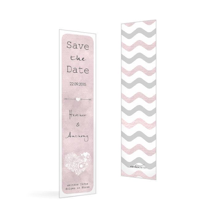 Save the Date Karte als Lesezeichen mit rosa Chevron Muster