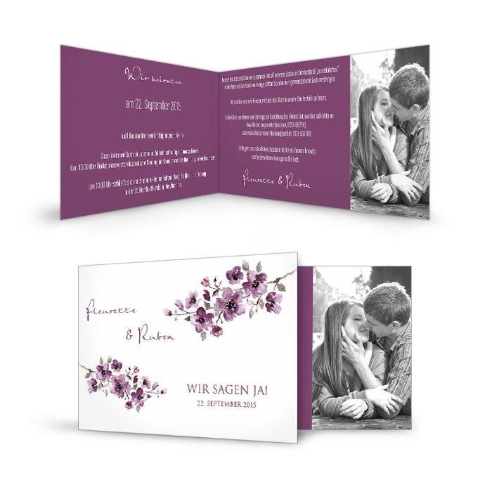 Romantische Einladung zur Hochzeit mit Blumenranke in Lila