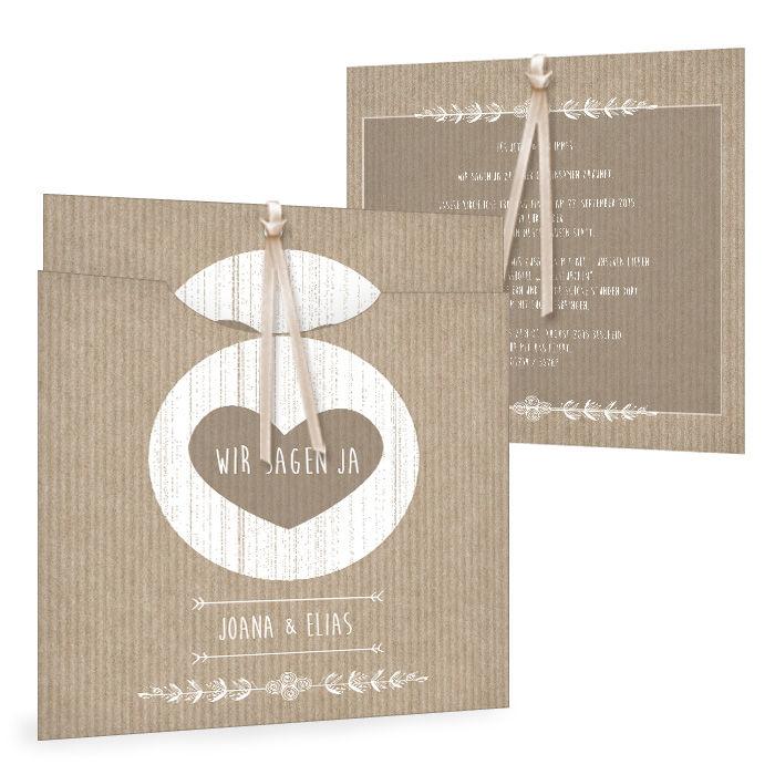 Moderne Hochzeitseinladung im Packpapier-Design mit Herz