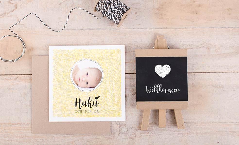 Danksagungskarte zur Geburt eines Mädchens in Gelb