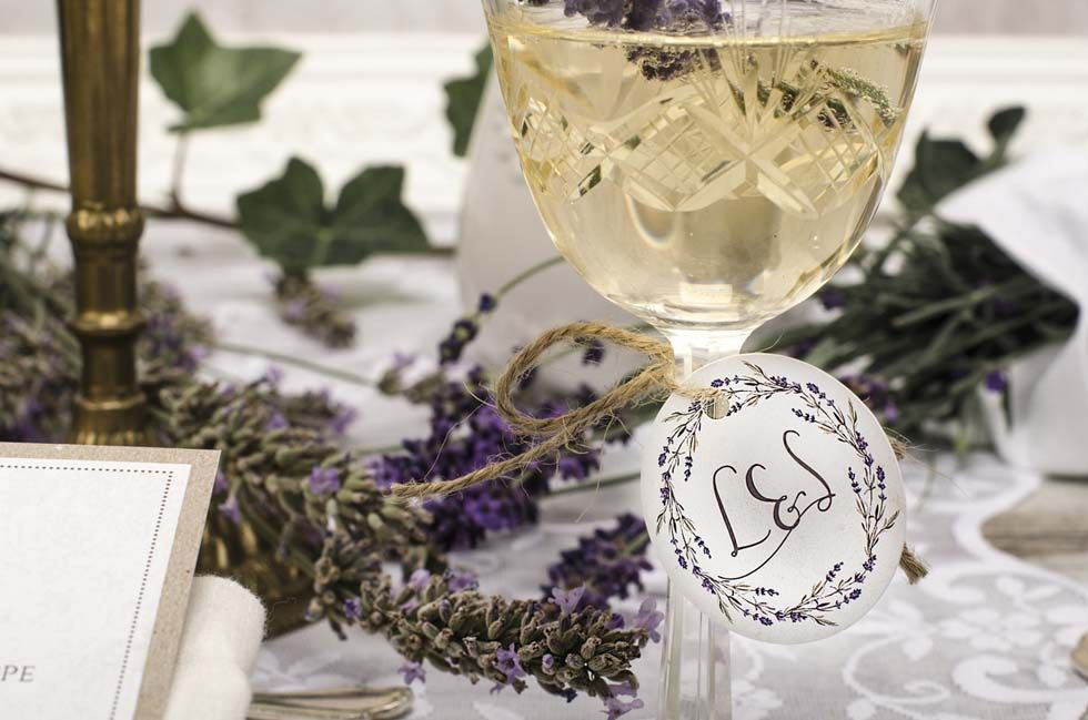 Anhänger für Gastgeschenke zur Hochzeit mit Vintage Lavendel Motiv - carinokarten