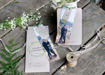 Greenery Hochzeitseinladungen in Kraftpapieroptik als Kartensets mit Fotostreifen Evangelina und Maximilian - carinokarten