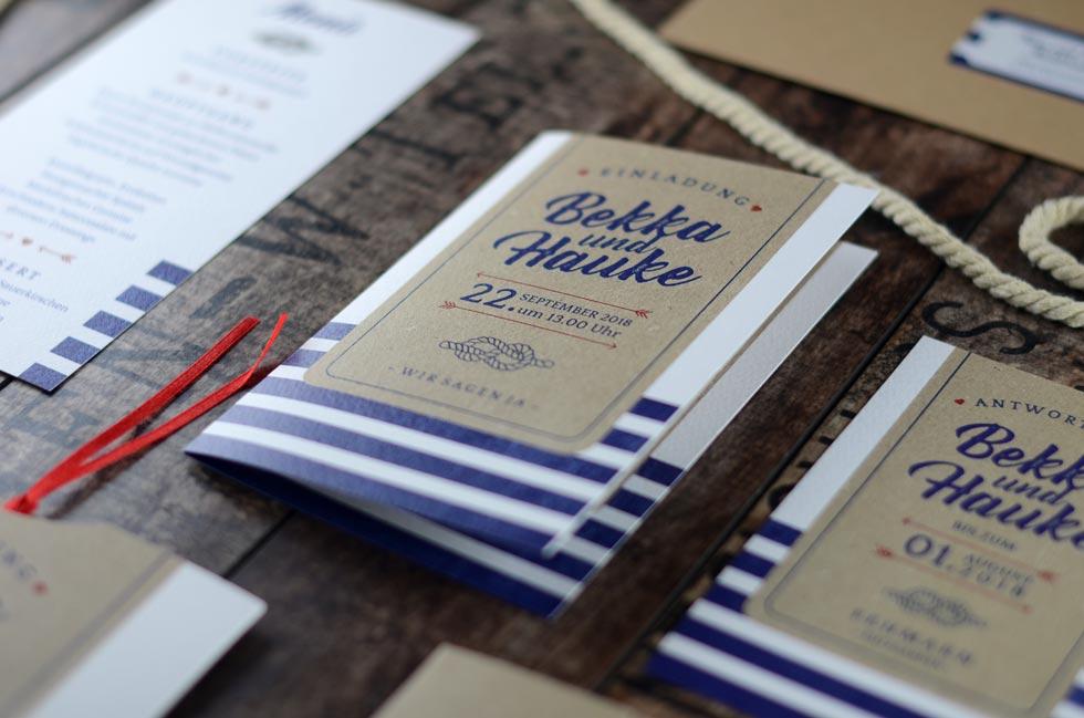 Martime-Einladung-zur-Hochzeit-mit-Kraftpapier-Design-Bekka-und-Hauke---carinokarten