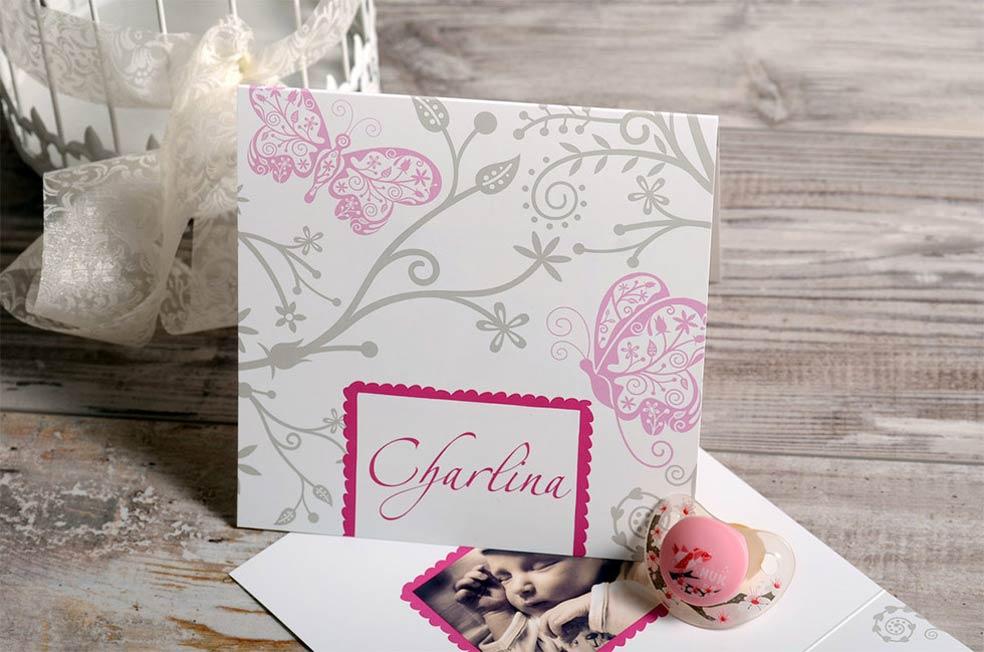 Einladung zur Taufe von Mädchen mit Schmetterlingen in Rosa im Design Charlina von carinokarten