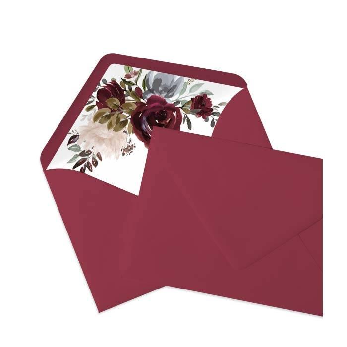 Bedrucktes Innenfutter für Briefumschläge mit Aquarellrosen und rotem Briefumschlag