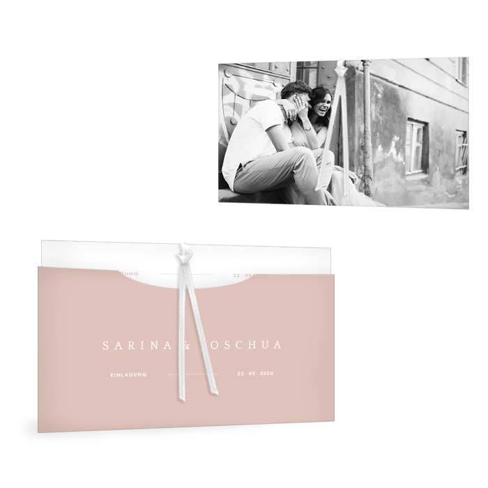 Minimalistische Hochzeitseinladung in Rosa mit schöner Typographie
