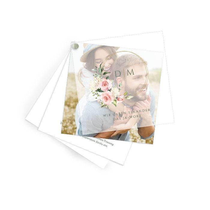 Elegante Hochzeitseinladung mit Transparentpapier und Rosen