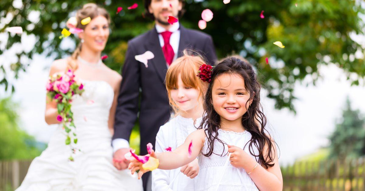 Kinder Auf Der Hochzeit Der Kindertisch Und Die Unterhaltung
